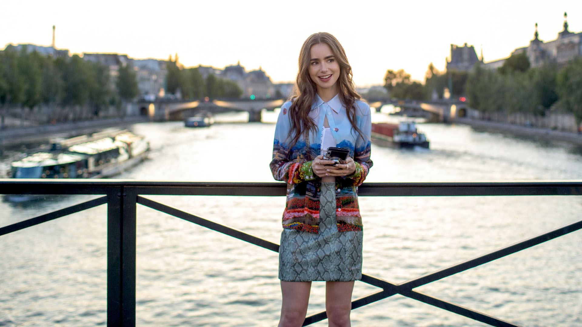 lily collins thời trang trong phim emily in paris feature