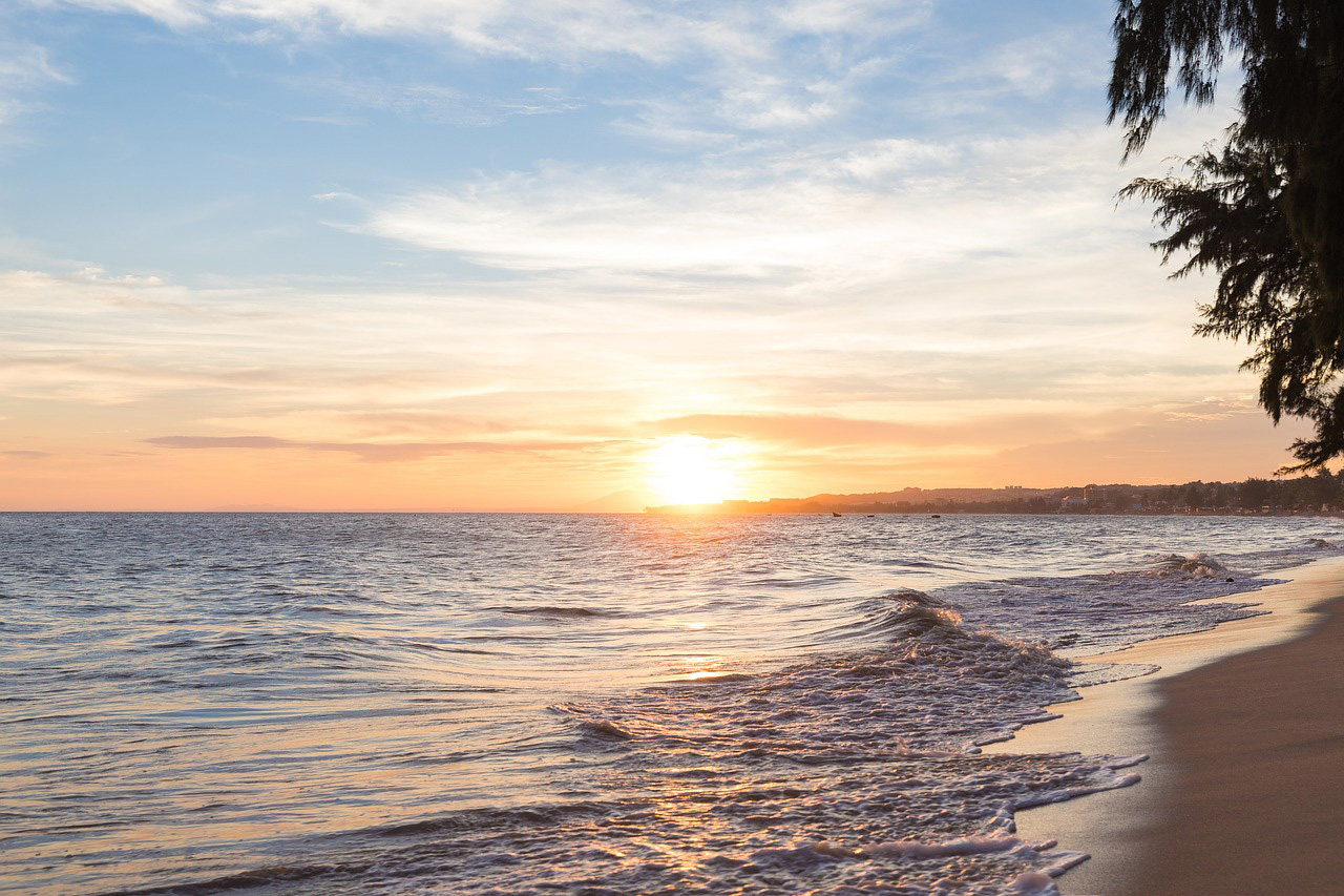 bãi biển hoàng hôn mũi né việt nam