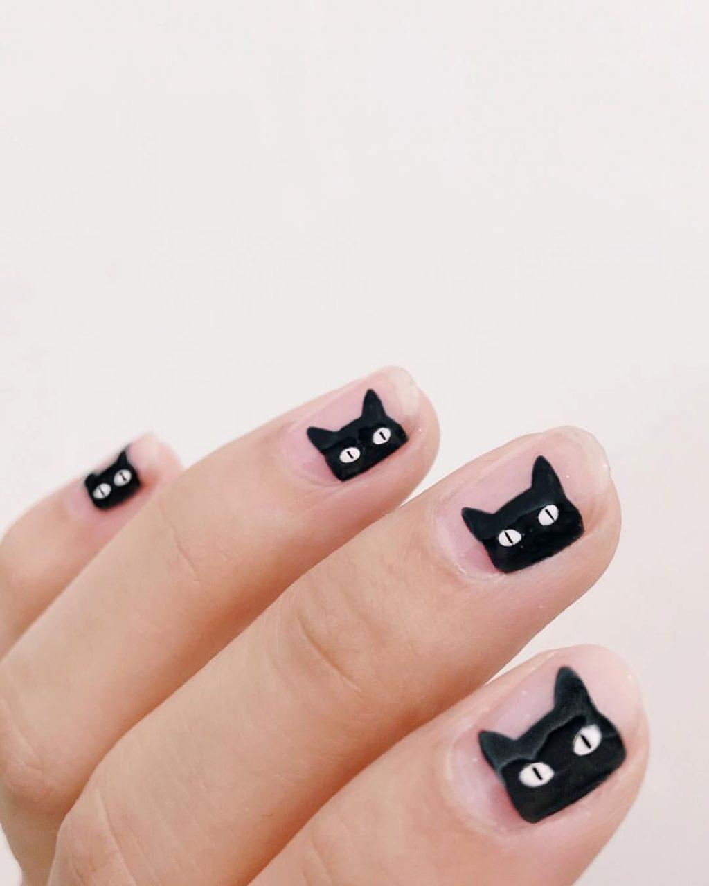 móng tay hình mèo đen