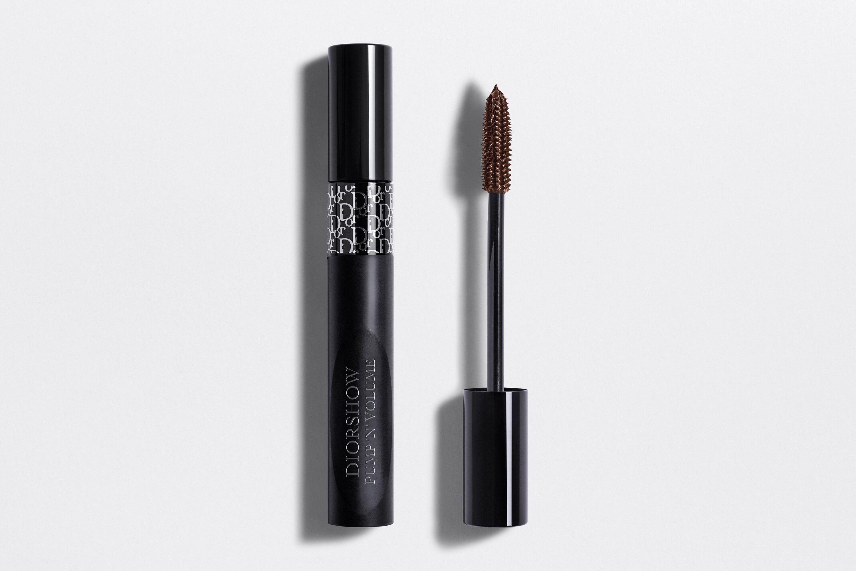 Bí quyết làm đẹp của nữ chính trong Emily in Paris - Diorshow Pump 'N' Volume HD Mascara.