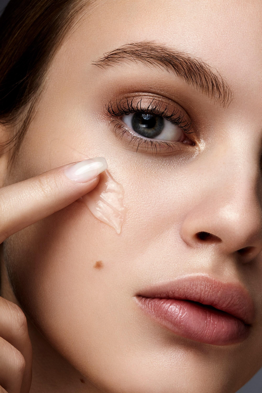 Axit azelaic là trợ thủ đắc lực trong việc trị mụn và làm sáng da ở phái đẹp