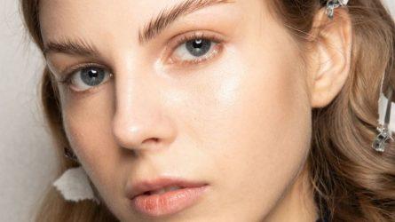 Thành phần caffeine có lợi ích gì trong các sản phẩm dưỡng da?