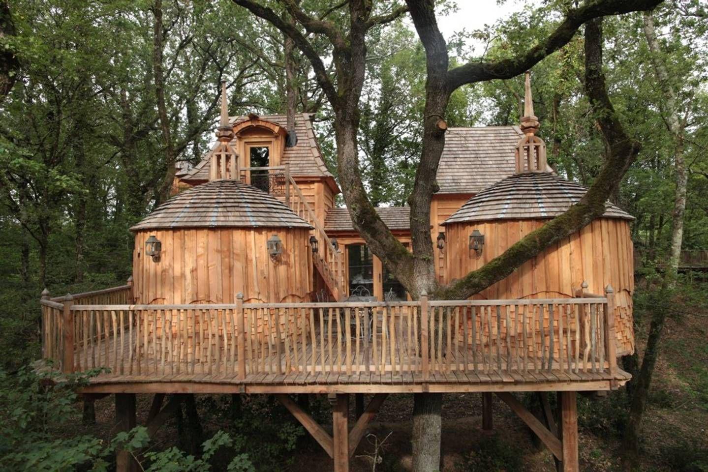 nhà trên cây lâu đài