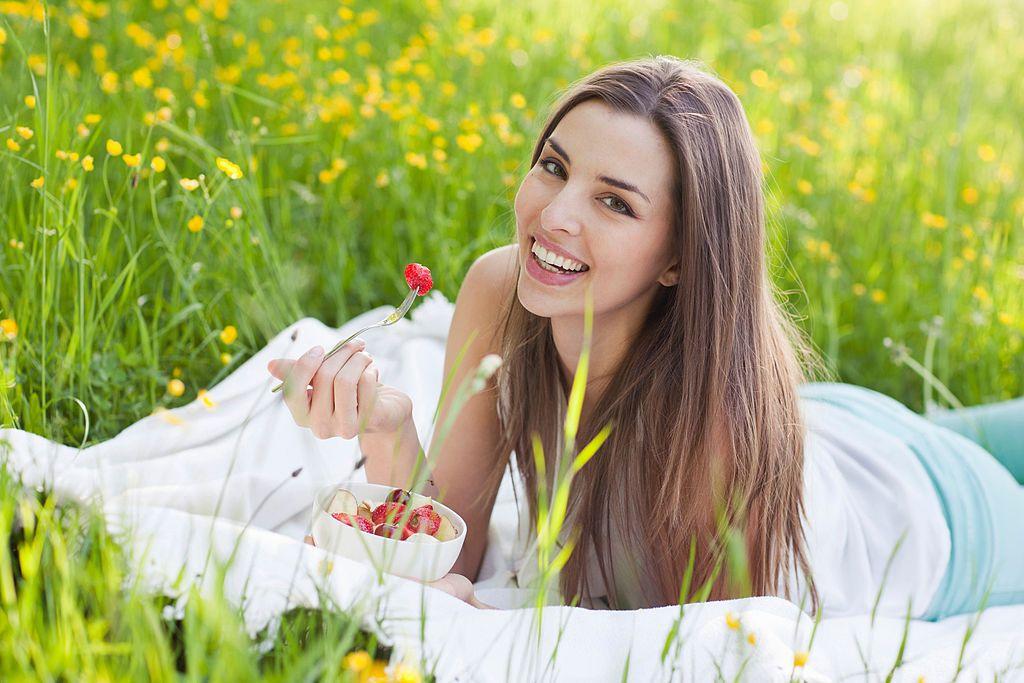 Thay đổi chế độ dinh dưỡng giúp da khỏe từ bên trong