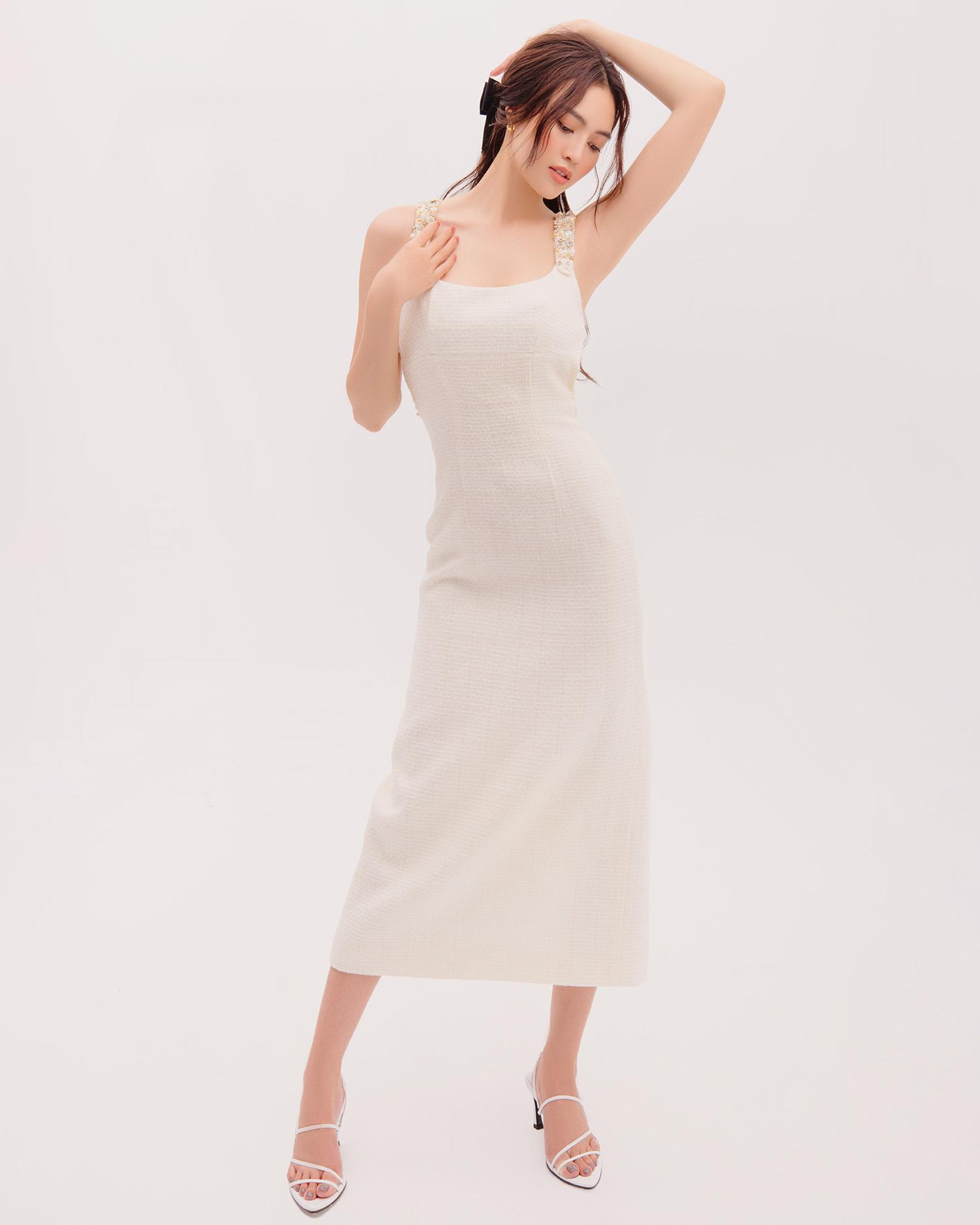 Ninh Dương Lan Ngọc trong BST của Decos cùng bộ váy trắng thanh lịch