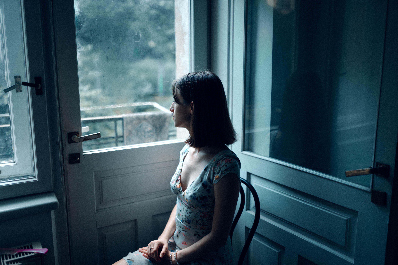Cô gái bị trầm cảm