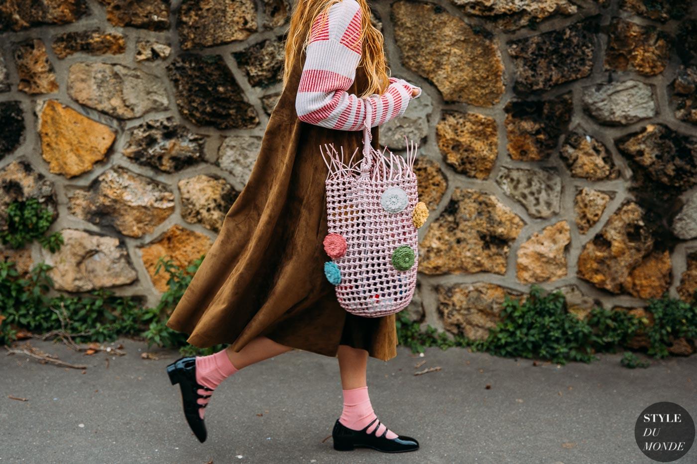 cách phối màu hồng và nâu mùa thu đông 2020 style du monde