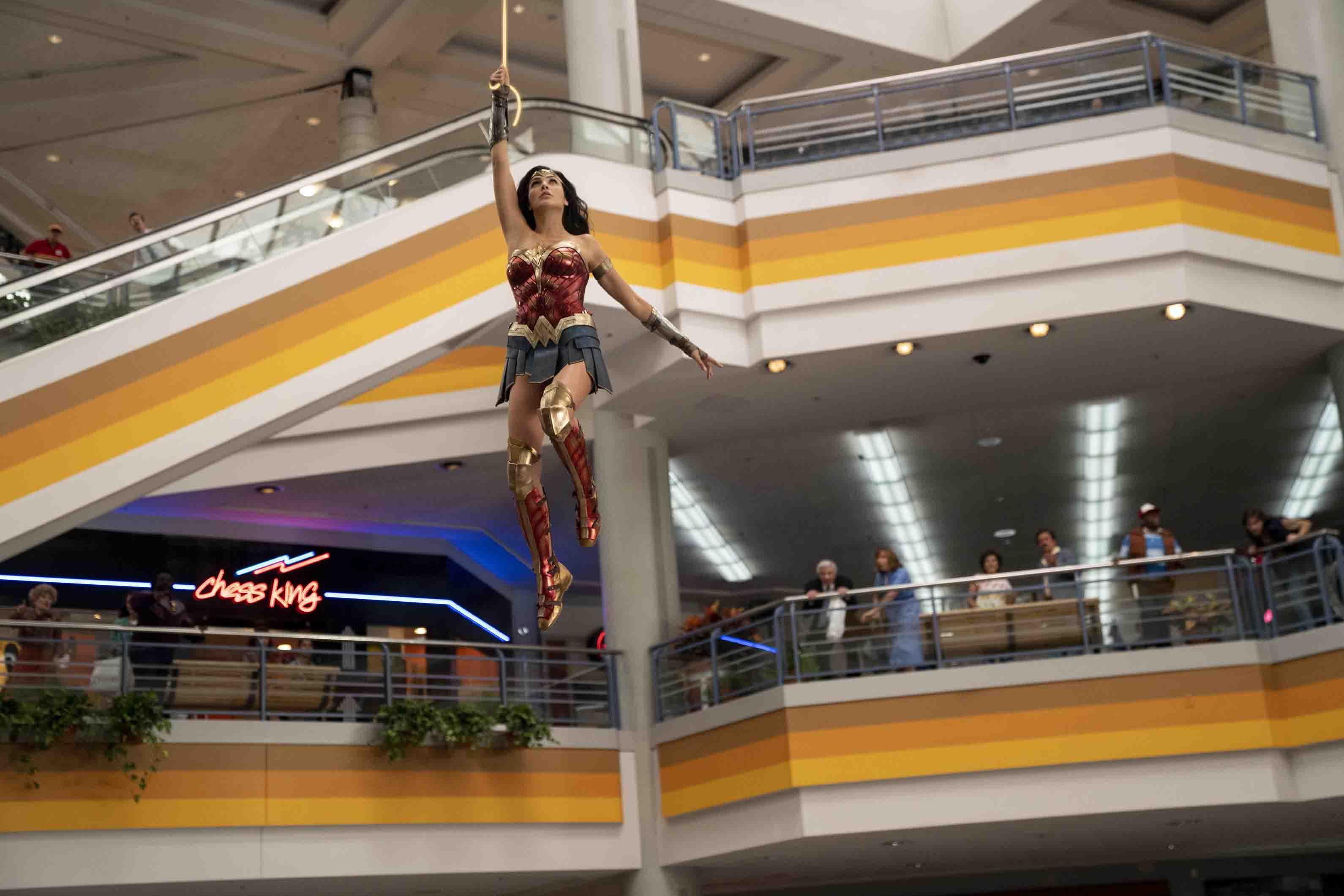 phim chiếu rạp Wonder Women 1984 WW hành động