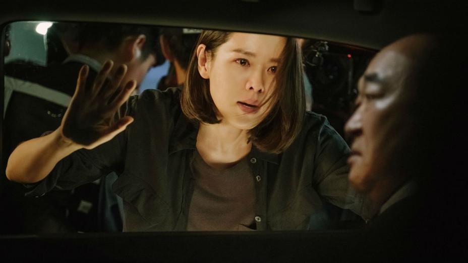 Nữ diễn viên biến hóa trong phim Cuộc đàm phán sinh tử