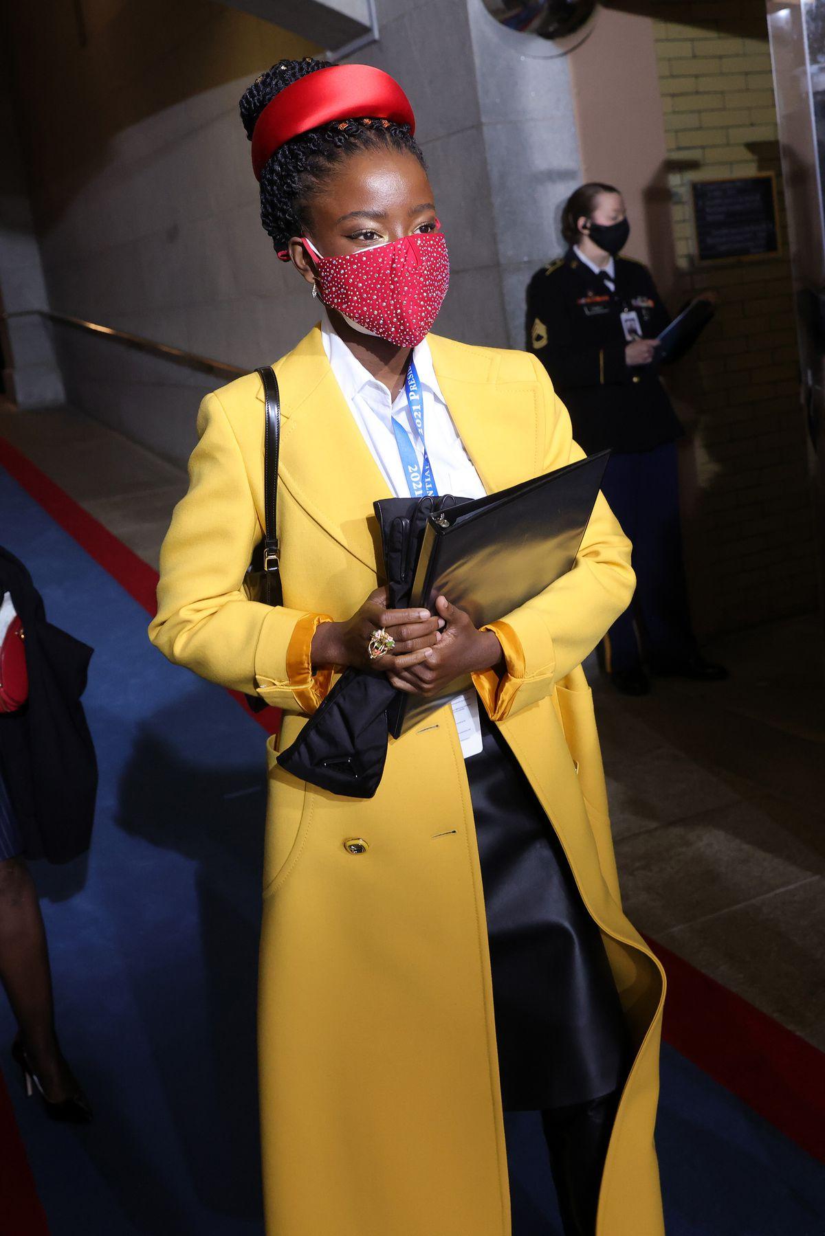 thời trang lễ nhậm chức tổng thống mỹ amanda gorman