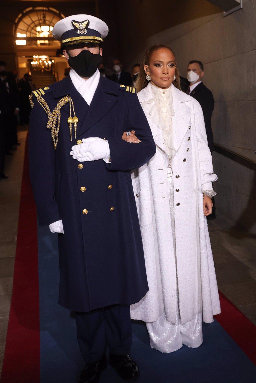 thời trang lễ nhậm chức tổng thống mỹ jennifer lopez