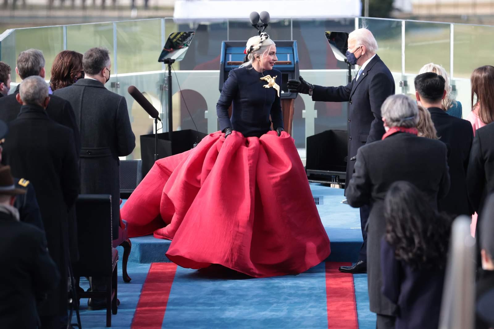 thời trang lễ nhậm chức tổng thống mỹ lady gaga