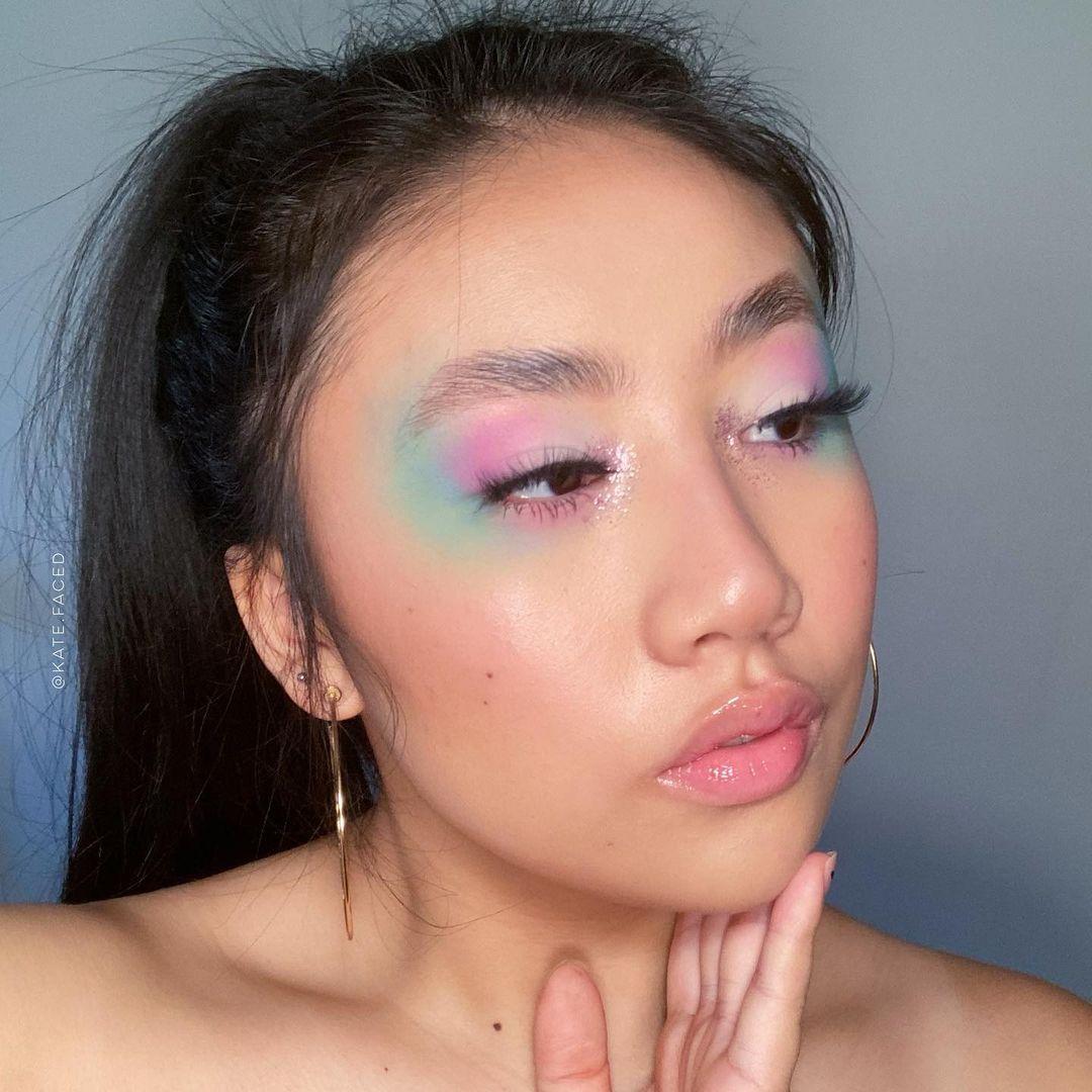 Trang điểm mắt đa sắc màu