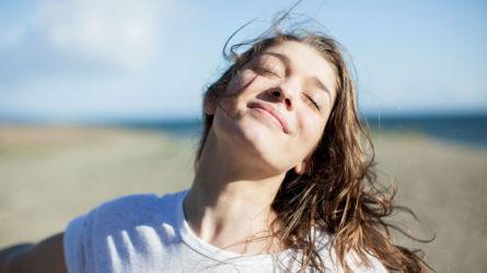 Trẻ hóa với những bài tập yoga dành riêng cho khuôn mặt