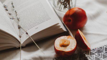 Có một tình yêu tươi mát và ngọt ngào mang tên nước hoa hương táo