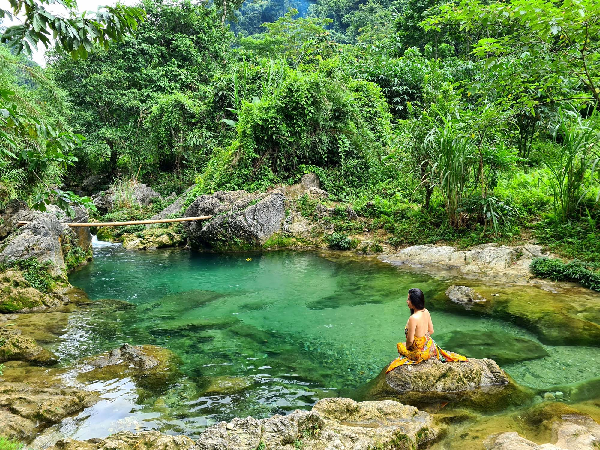 Lâm Thượng suối từ thác Nặm Chắn