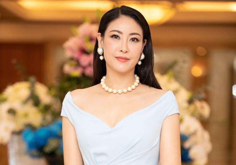 Hà Kiều Anh ELLE Beauty Awards 2021