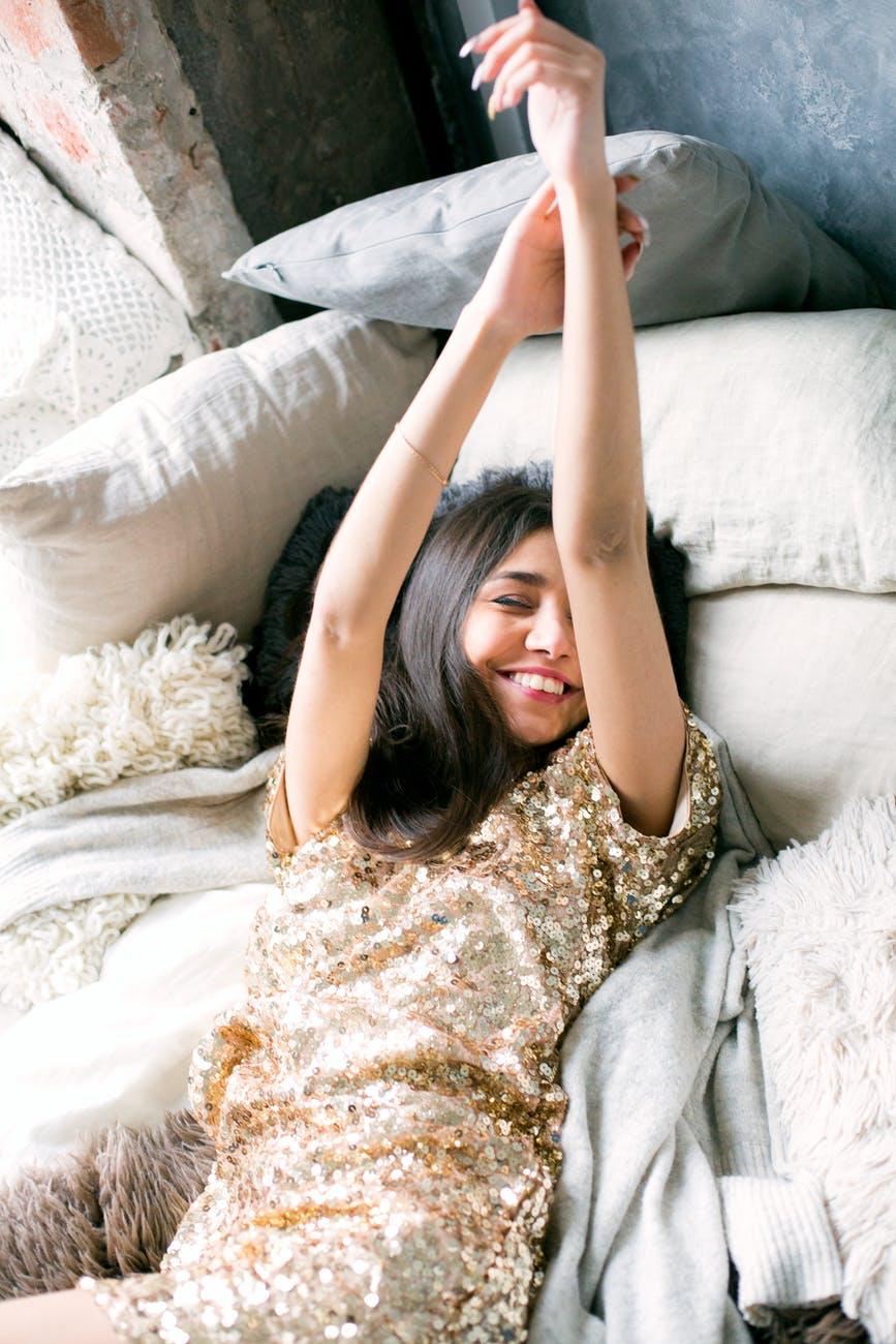Làn da thật sự làm gì khi chúng ta chìm vào giấc ngủ?