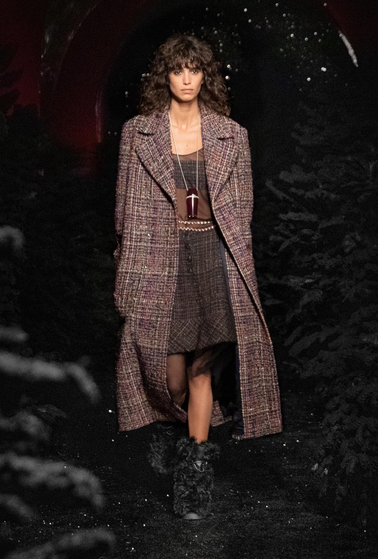 BST thời trang Chanel