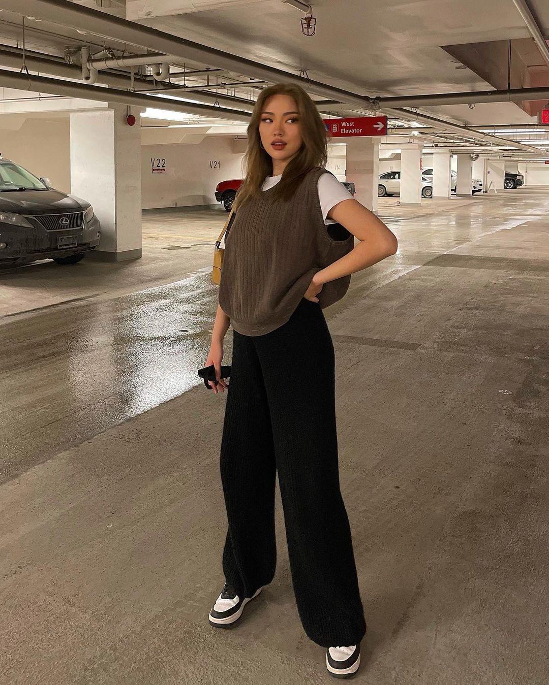 quần dài ống rộng kết hợp áo gi lê len
