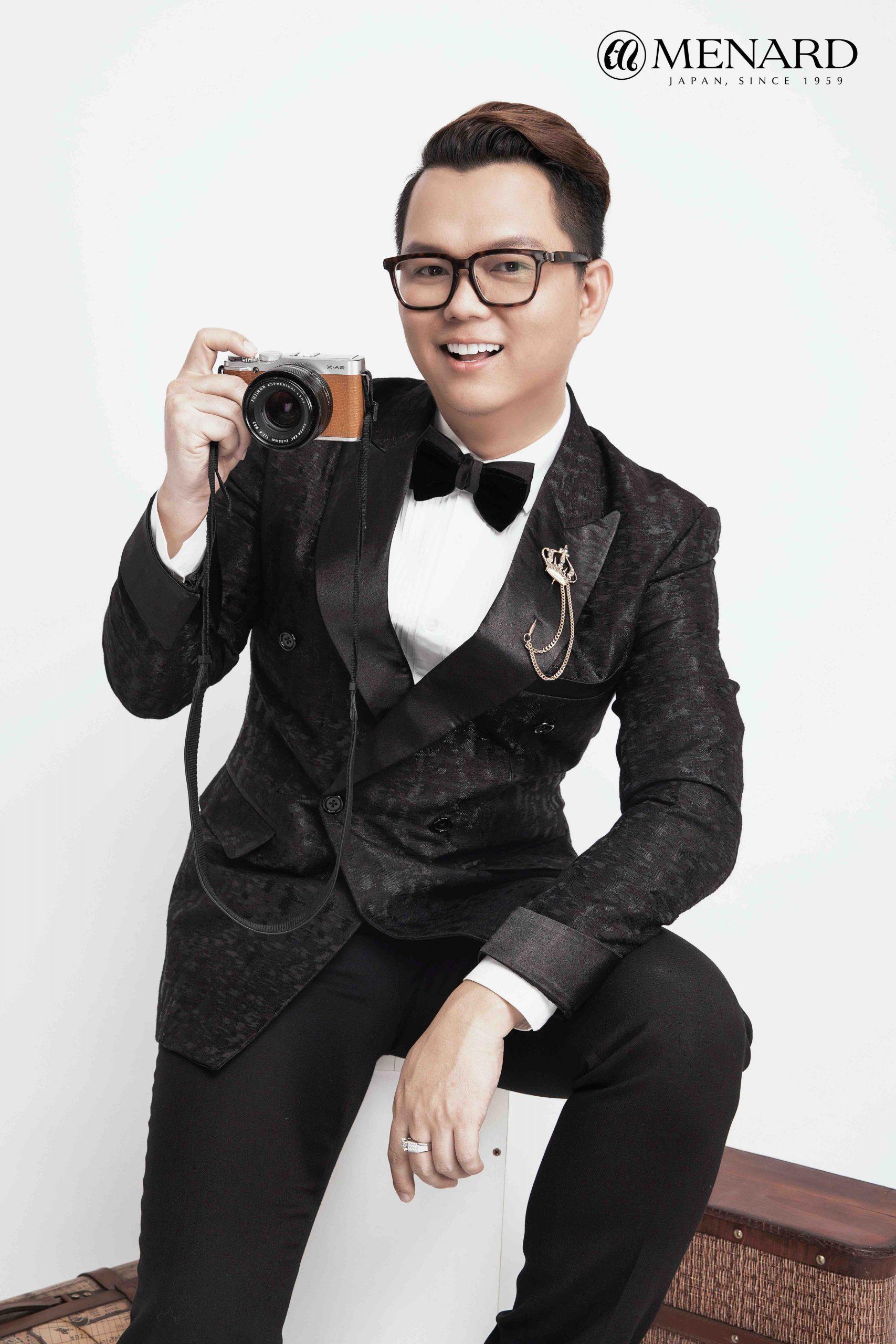 đạo diễn Long Kan đồng sáng lập show thời trang Voyage