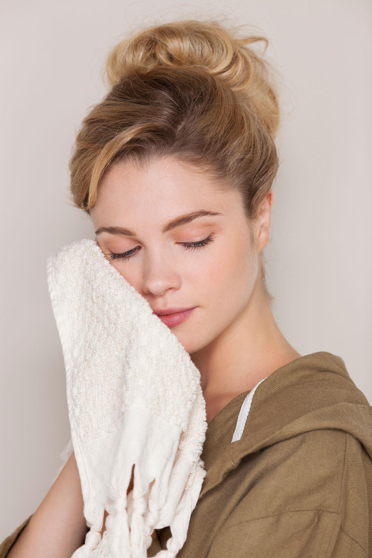 Kiểm tra loại bột giặt đang sử dụng để tránh gây kích ứng và dưỡng da