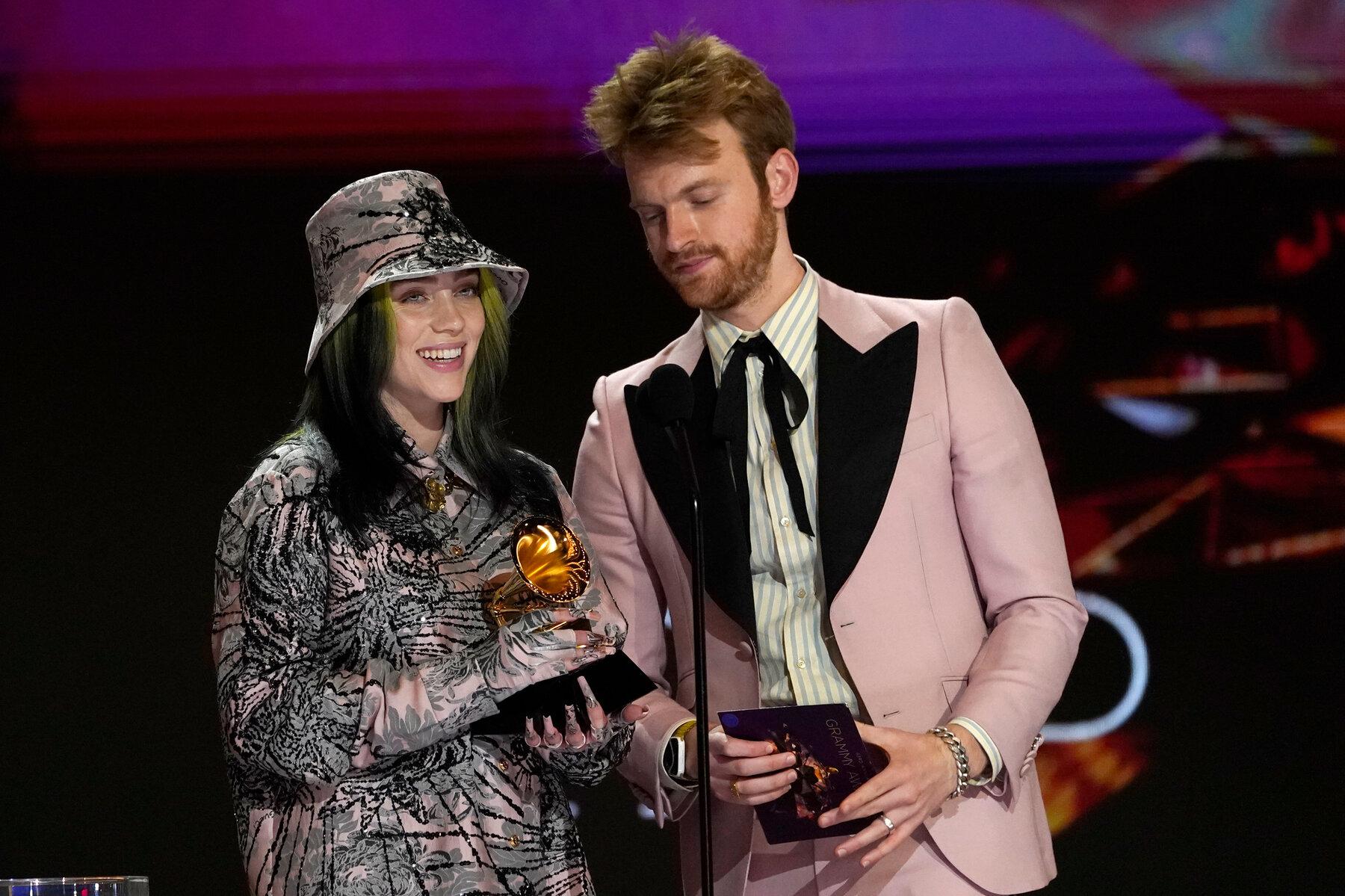 billies eilish tiếp tục giành giải tại Grammy 2021