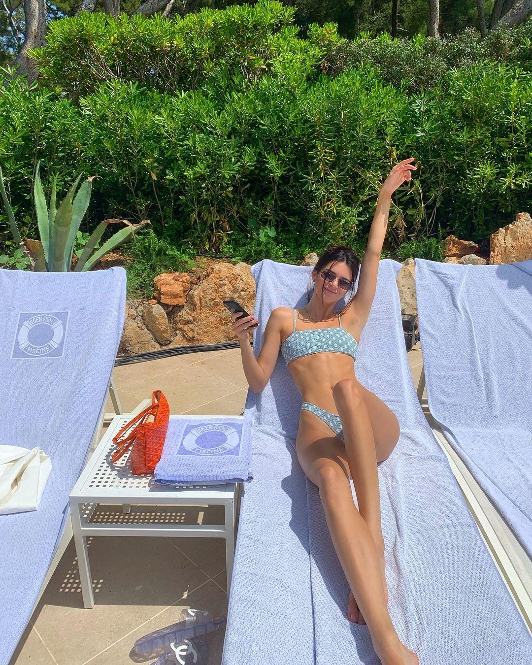 Thân hình hoàn hảo của Kendall Jenner