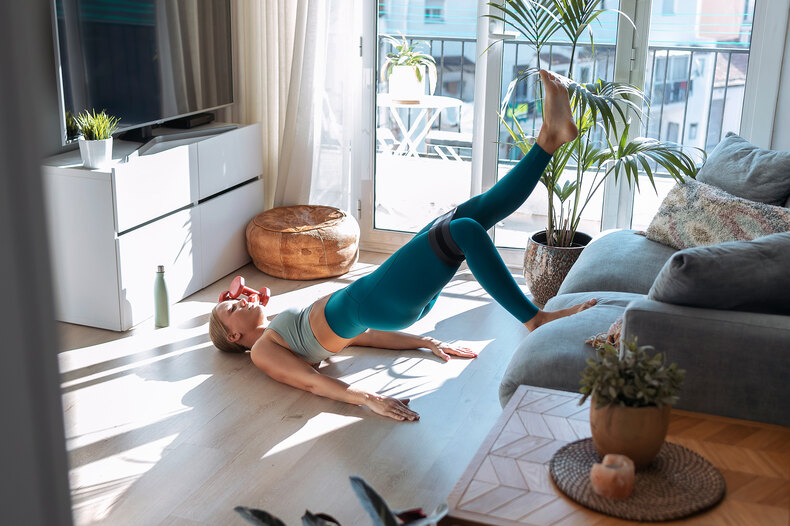 Tư thế cây cầu yoga giúp bạn bắt đầu ngày mới hiệu quả hơn