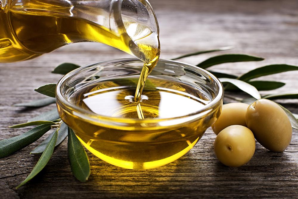 Dầu oliu là thực phẩm giúp da săn chắc