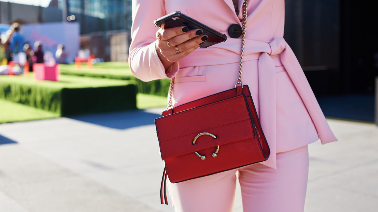 crossbody bag in red street style