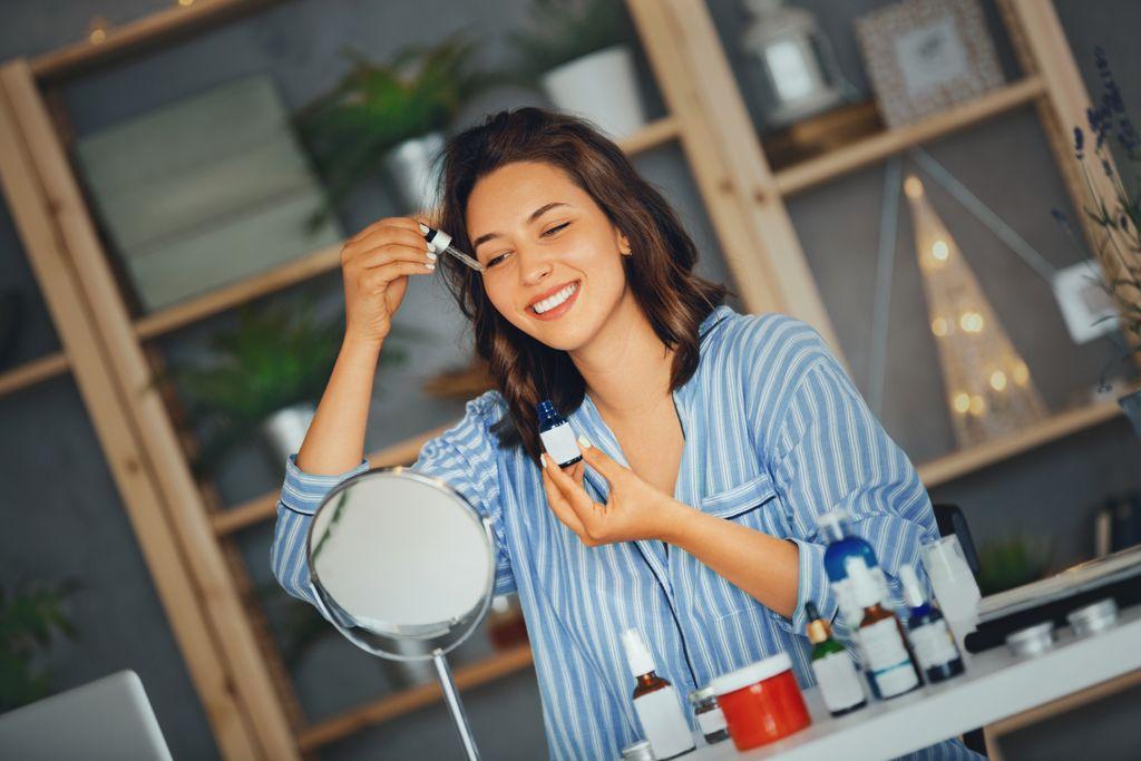 Không dùng retinol và BHA/ AHA khi chăm sóc da