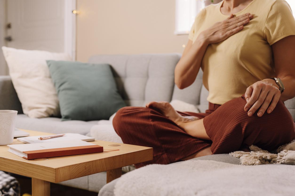 Hít thở đúng cách để cải thiện tư thế tránh tình trạng gù lưng