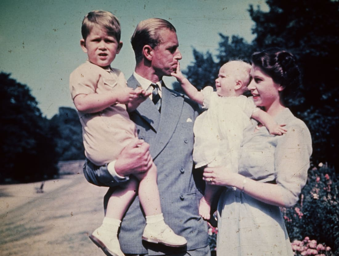 Prince Philip and the princess Elizabeth with his young family (photo by Keystone)