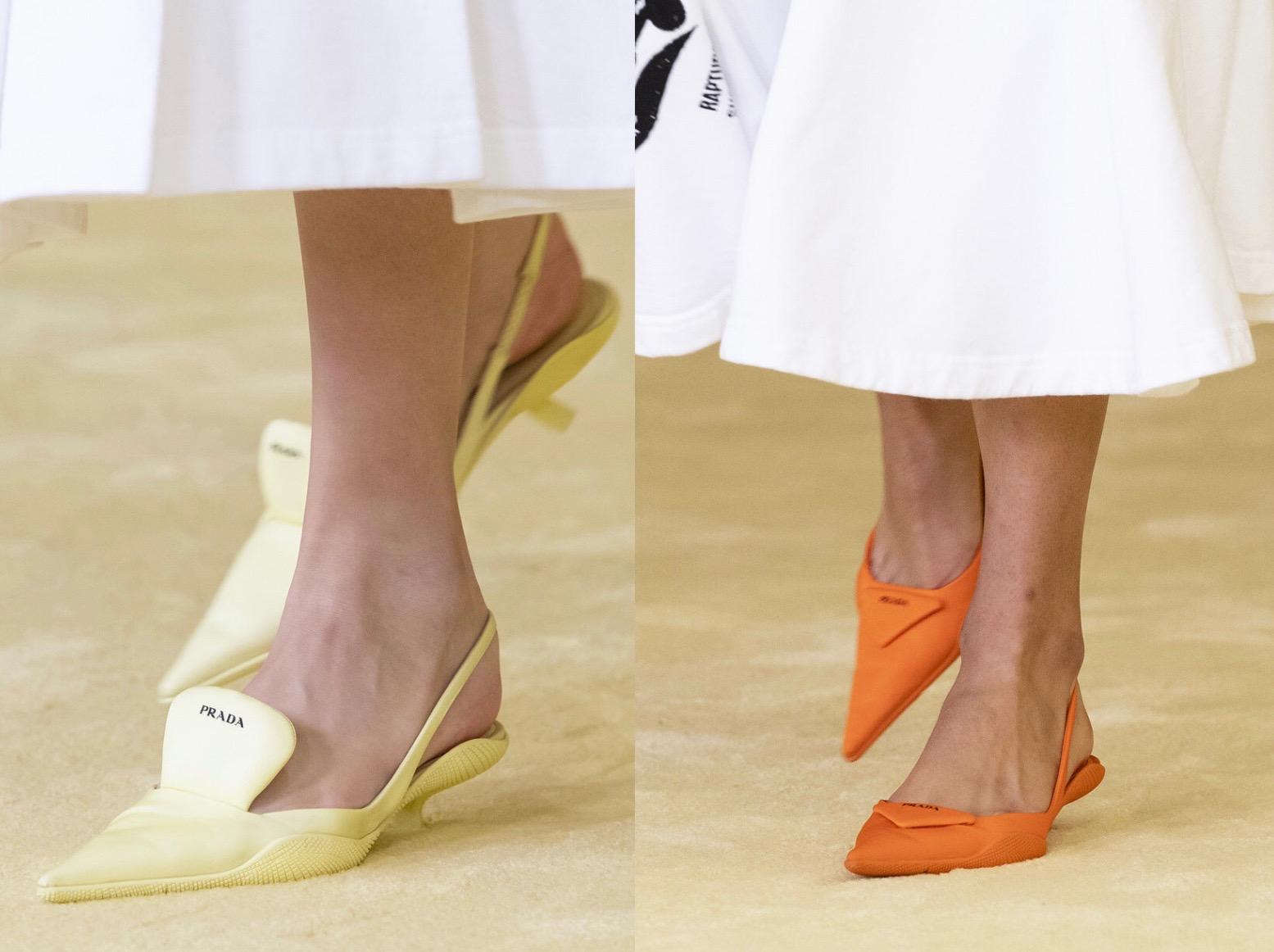 Giày slingback màu vàng nhạt và cam neon trong bst Prada x Raf Simons