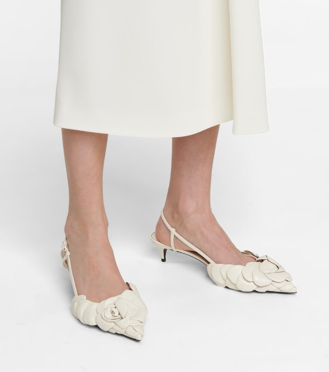 Valentino slingback hoa hồng 3d màu trắng ngà