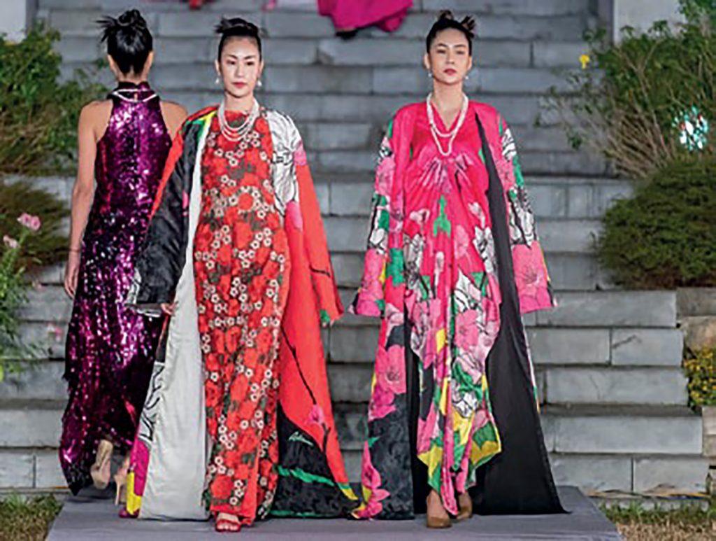 thời trang buổi triềnh diễn của ntk Adrian Anh Tuấn