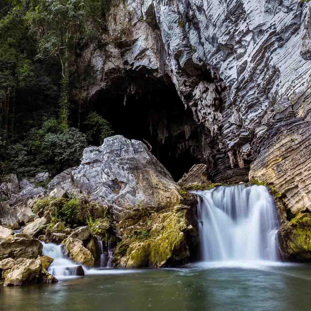 du lịch hang Tú Làn