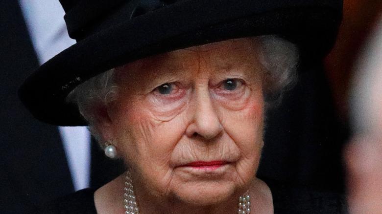 Nữ hoàng Anh cùng đôi hoa trai ngọc trai trong tang lễ Hoàng gia Anh