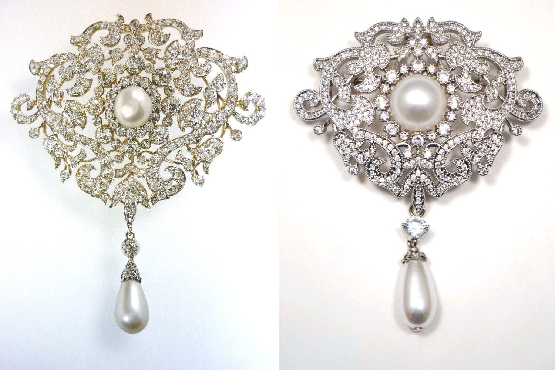 Trâm cài áo Richmond của nữ hoàng Anh làm từ kim cương và ngọc trai