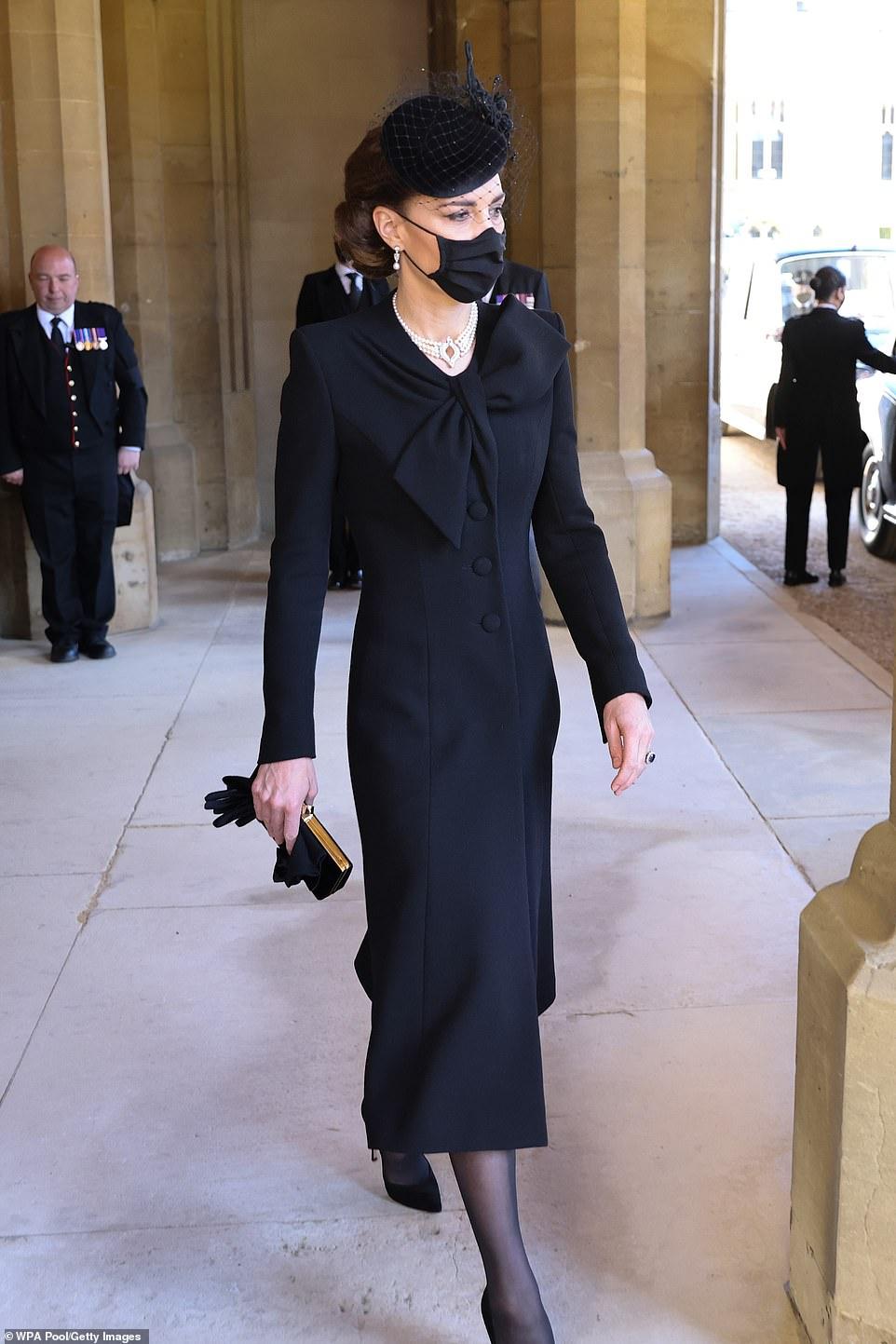 Trang phục tham gia tang lễ của công nương Kate Middleton