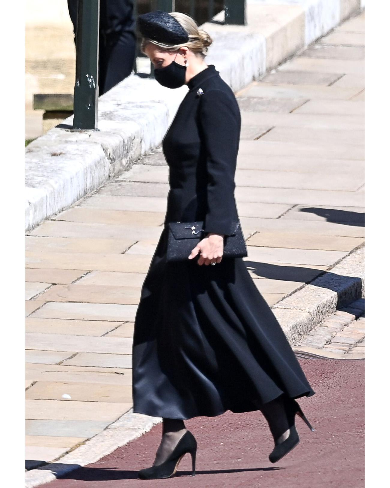 Nữ bá tước phu nhân xứ Wessex trong trang phục tang lễ tại lễ tang hoàng thân Philip