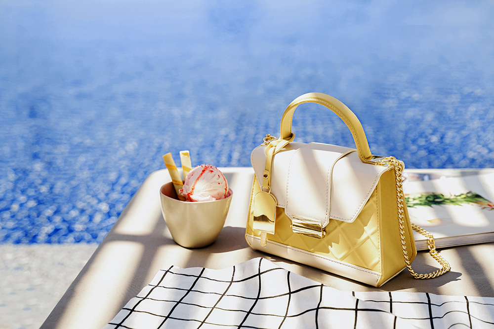 Túi Juno đeo chéo hoạ tiết chần vàng pastel
