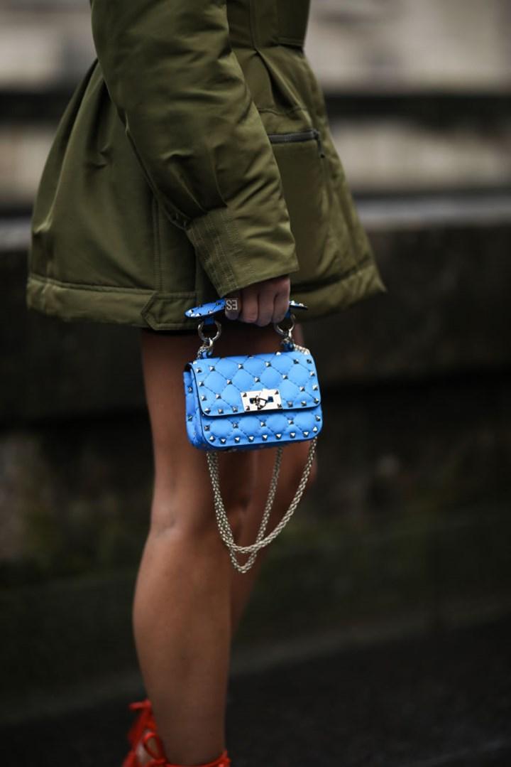 Túi Valentino chần bông mini màu xanh biển