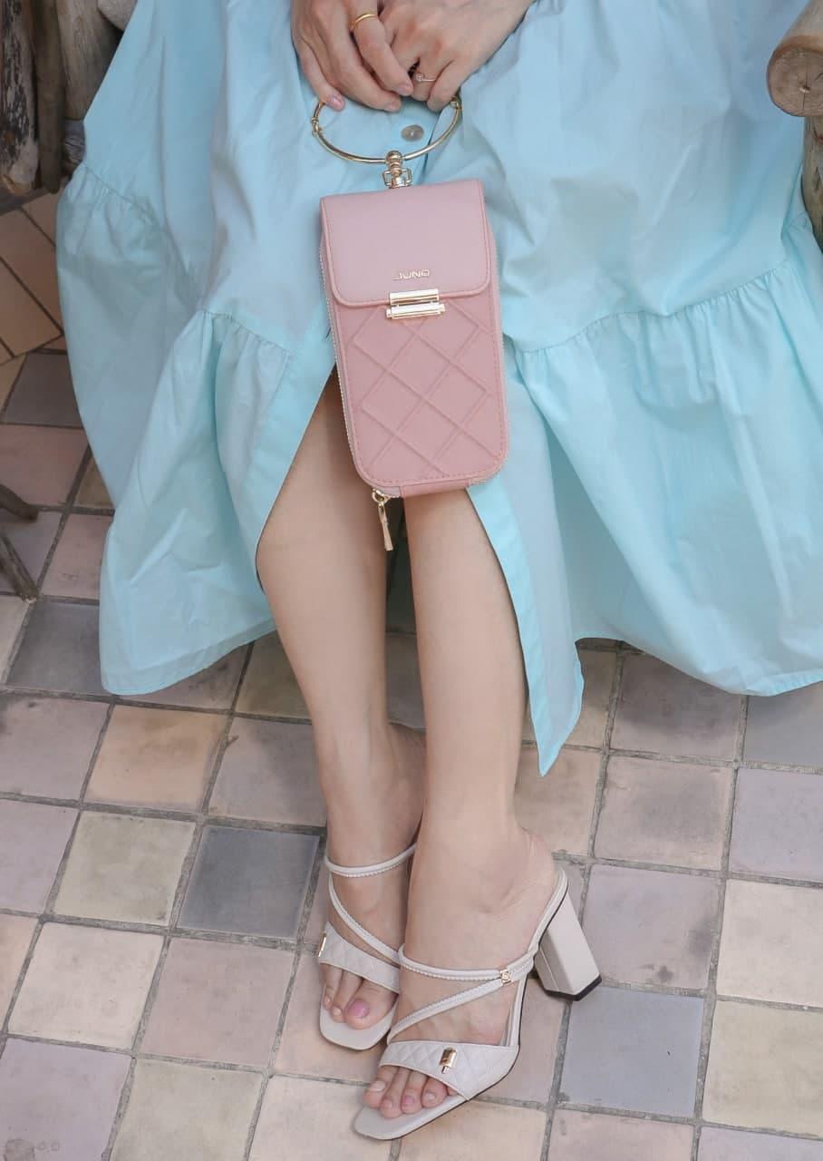 Suni Hạ Linh phụ kiện túi, giày Juno