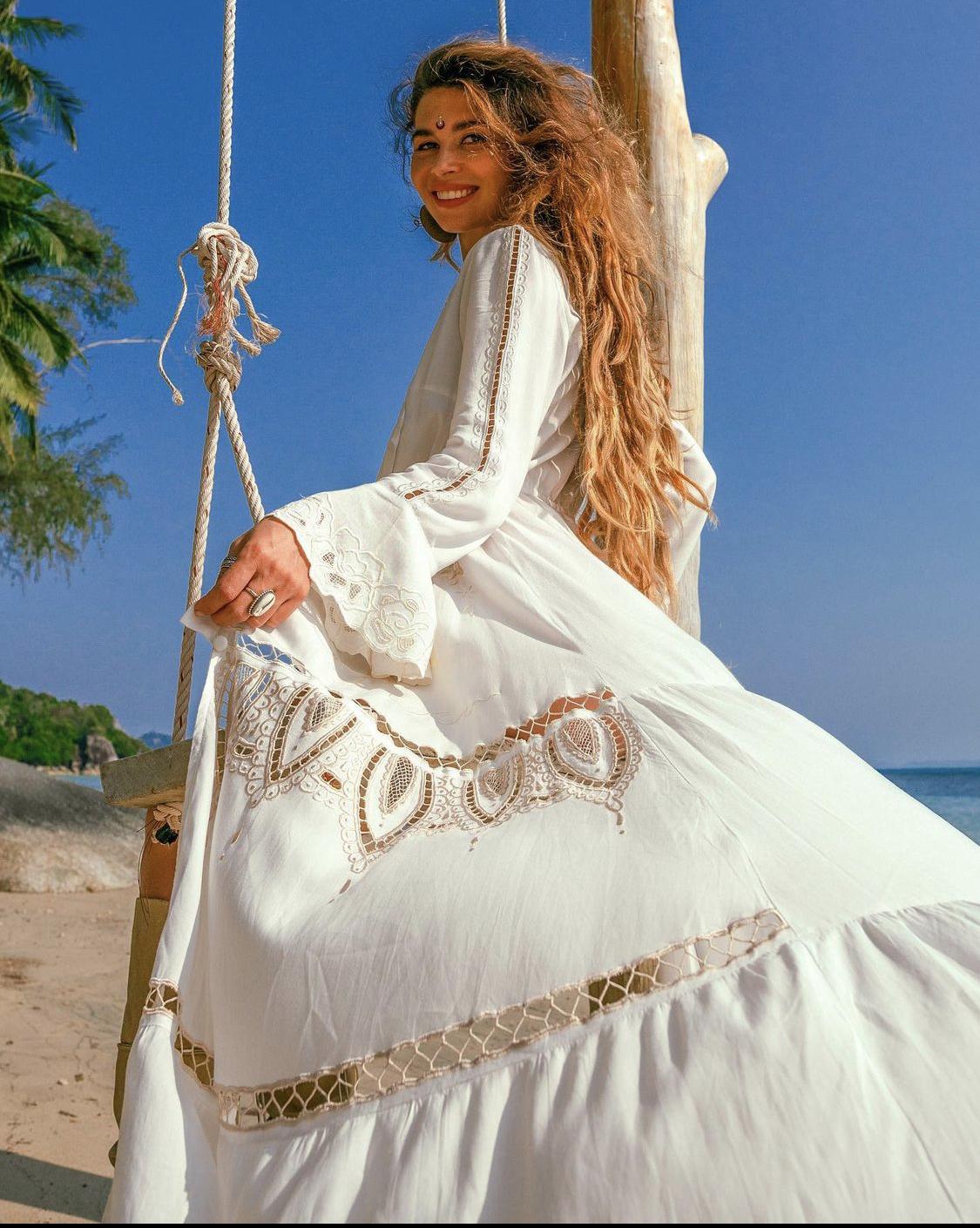 váy maxi trắng hoạ tiết bohemian