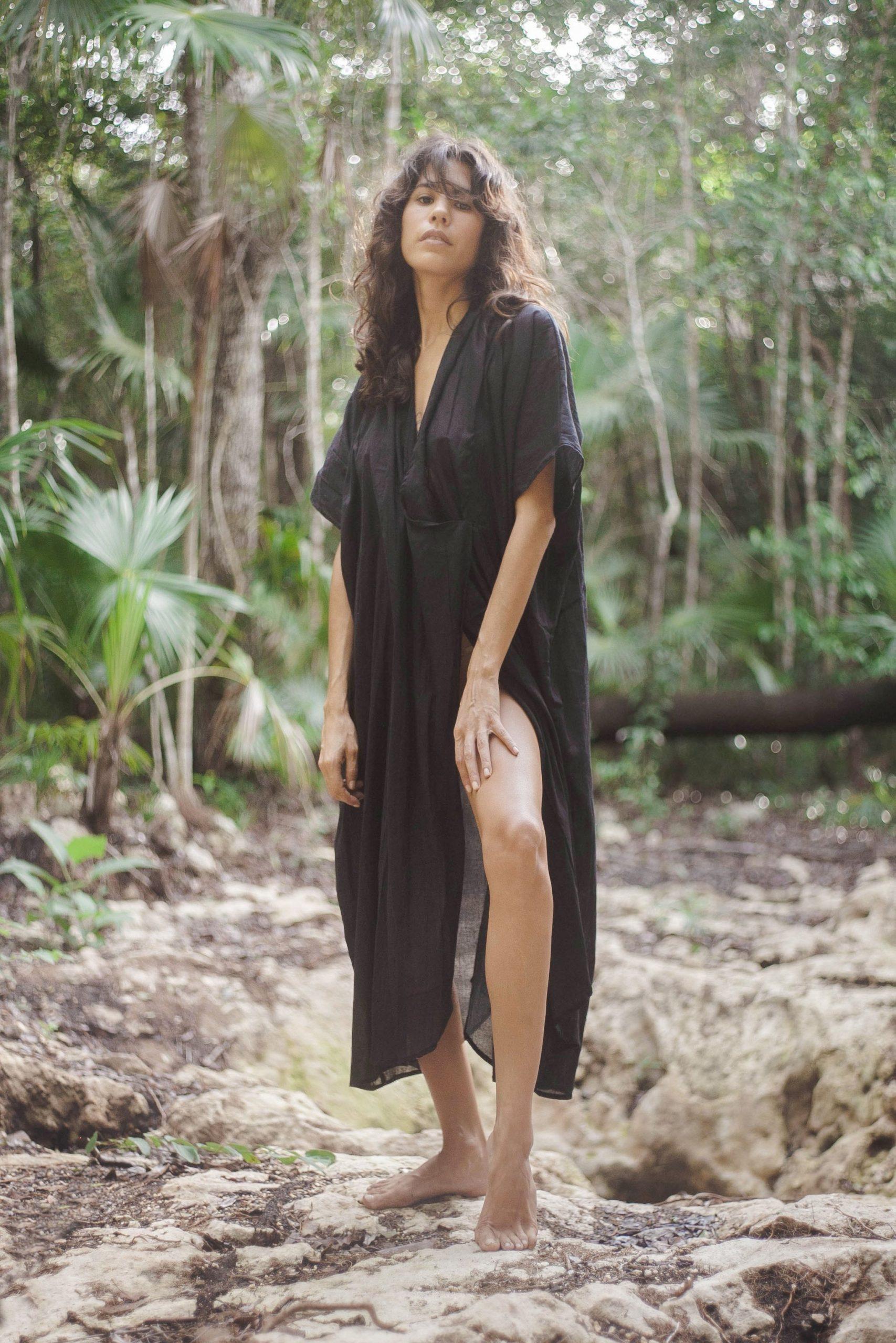 váy suông đi biển linen đen