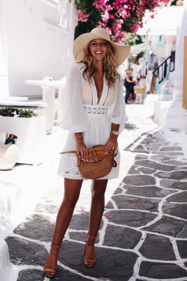 váy đi biển ren trắng