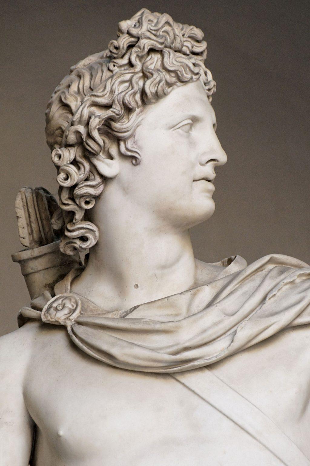 tóc mullet trên Tượng thần Mặt trời Apollo Belvedere vào khoảng năm 120–140 sau Công nguyên