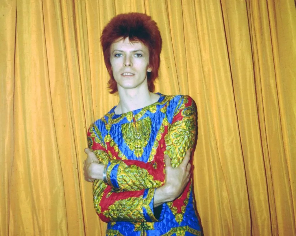 tóc mullet - David Bowie trong vai Ziggy Stardust, 1973